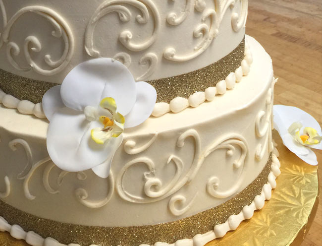 Close up photo of Milano Bakery Wedding Cake